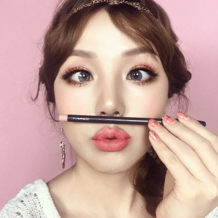 Korean-makeup-artist-PONY